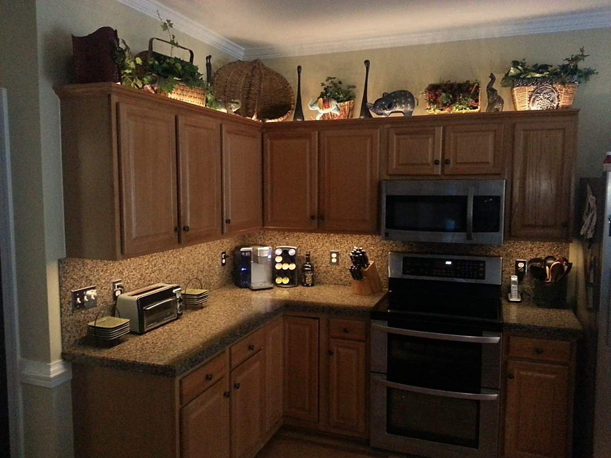 kitchen cabinet accent lighting. Knickknacks Kitchen Cabinet Accent Lighting T
